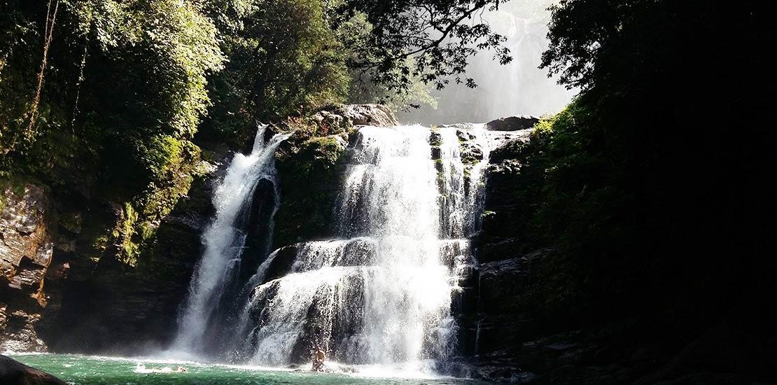 nauyaca-waterfall