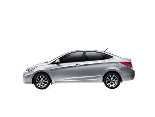 Rentar auto compacto
