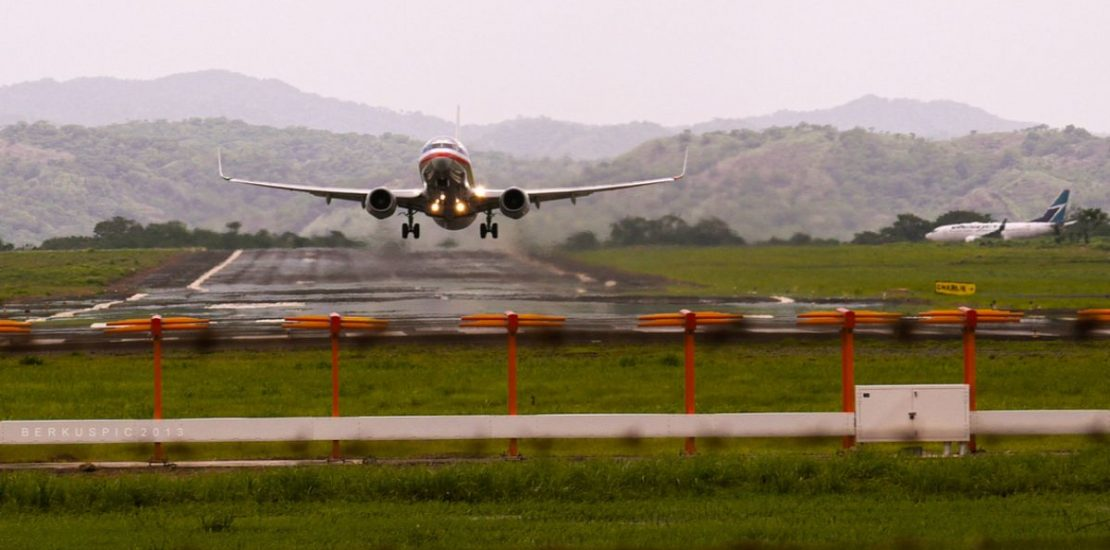 Liberia_Costa_Rica_-_Airplane_taking_off_from_international_airport