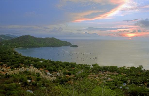Hermosas Playas de Guanacaste - Adobe Rent a Car Liberia