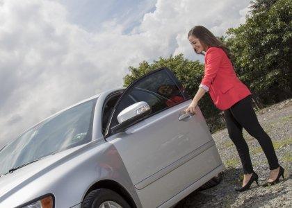 alquiler-carro-anual