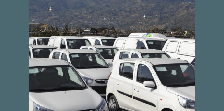 Variedad de categorías de carros con Adobe Car Rental